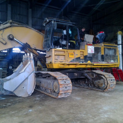 CAT 385 excavator : Fuel consumption monitoring